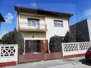 rodinny-dom-predaj-znizena-cena-na-predaj-pekny-ciastocne-zrekonstruovany-5-izbovy-rd-s-garazou-na-6a-pozemku-v-komarne-39627