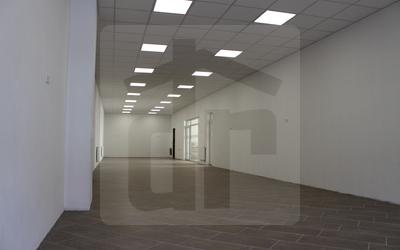 administrativa-prenajom-pekny-priestor-priamo-na-pesej-zone-43156