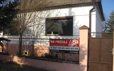 velka-maca-rodinny-dom-predaj-06-06-2016-znizena-cena-priestranny-dom-vo-vybornej-casti-obce-kupou-volny-44363