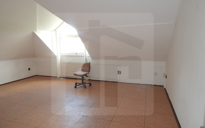 administrativa-prenajom-na-prenajom-v-centre-mesta-n-zamky-kancelarske-priestory-18m2-za-129-eur-s-energiami-45485