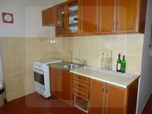 2-izbovy-byt-predaj-znizena-cena-na-predaj-prijemny-2-izbovy-byt-na-gazdovskej-ulici-v-komarne-exkluzivne-iba-u-nas-45734