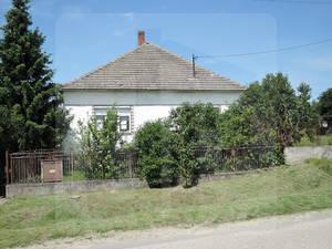 cary-rodinny-dom-predaj-dom-s-velkym-pozemkom-v-tichej-ulici-za-dobru-cenu-45772