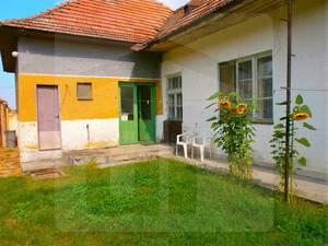 trnavka2-rodinny-dom-predaj-starsi-rodinny-dom-s-velkym-pozemkom-v-centre-obce-46648
