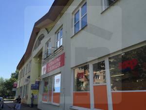 obchodne-priestory-prenajom-obchodne-priestory-v-centre-komarna-na-prenajom-vhodne-na-supermarket-47067