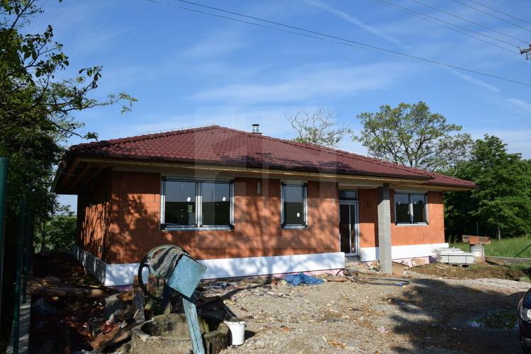 listing_55271463466548-domy-novostavba-rodinneho-domu-obklopena-prirodou-v-obci-vinohrady-n-v